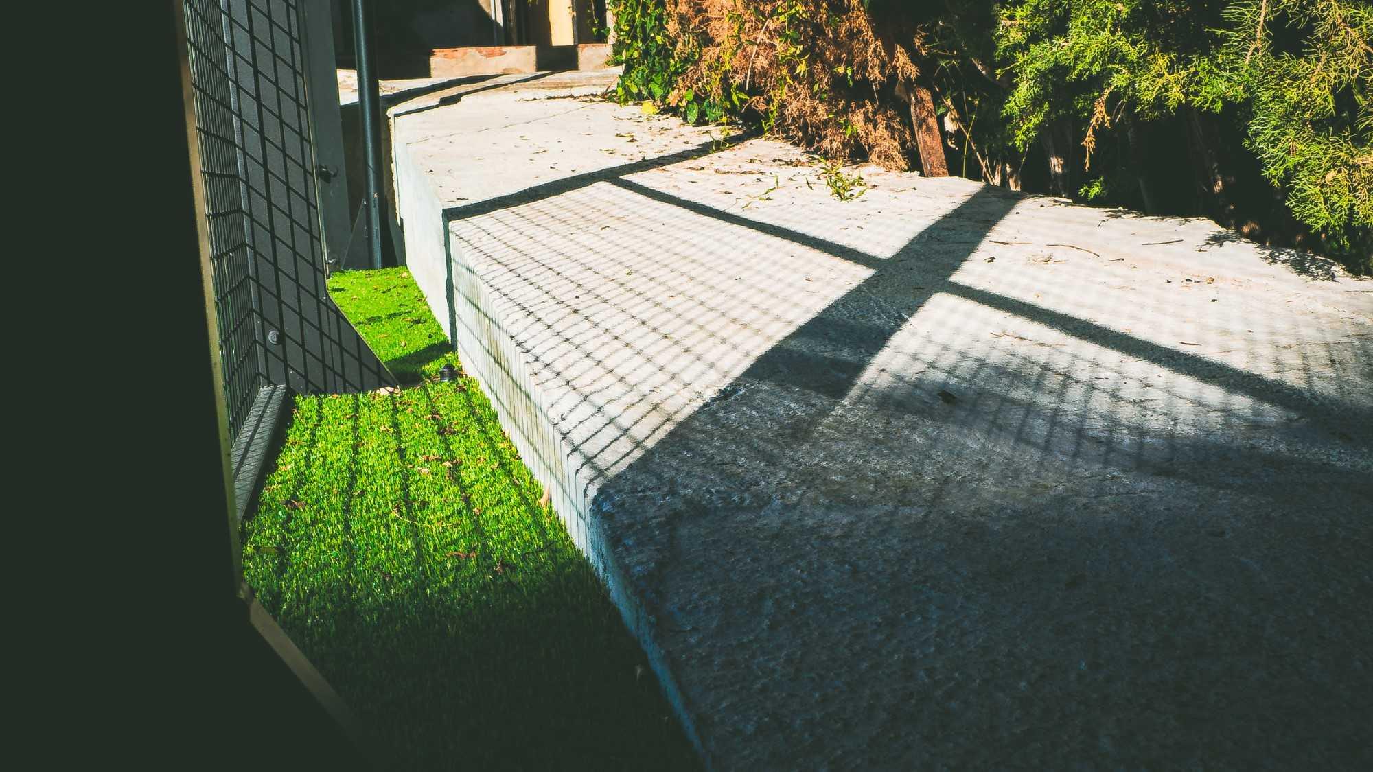instalar césped artificial - padelnickhortabarcelona 107 - ¿Cómo instalar césped artificial en terreno desnivelado?