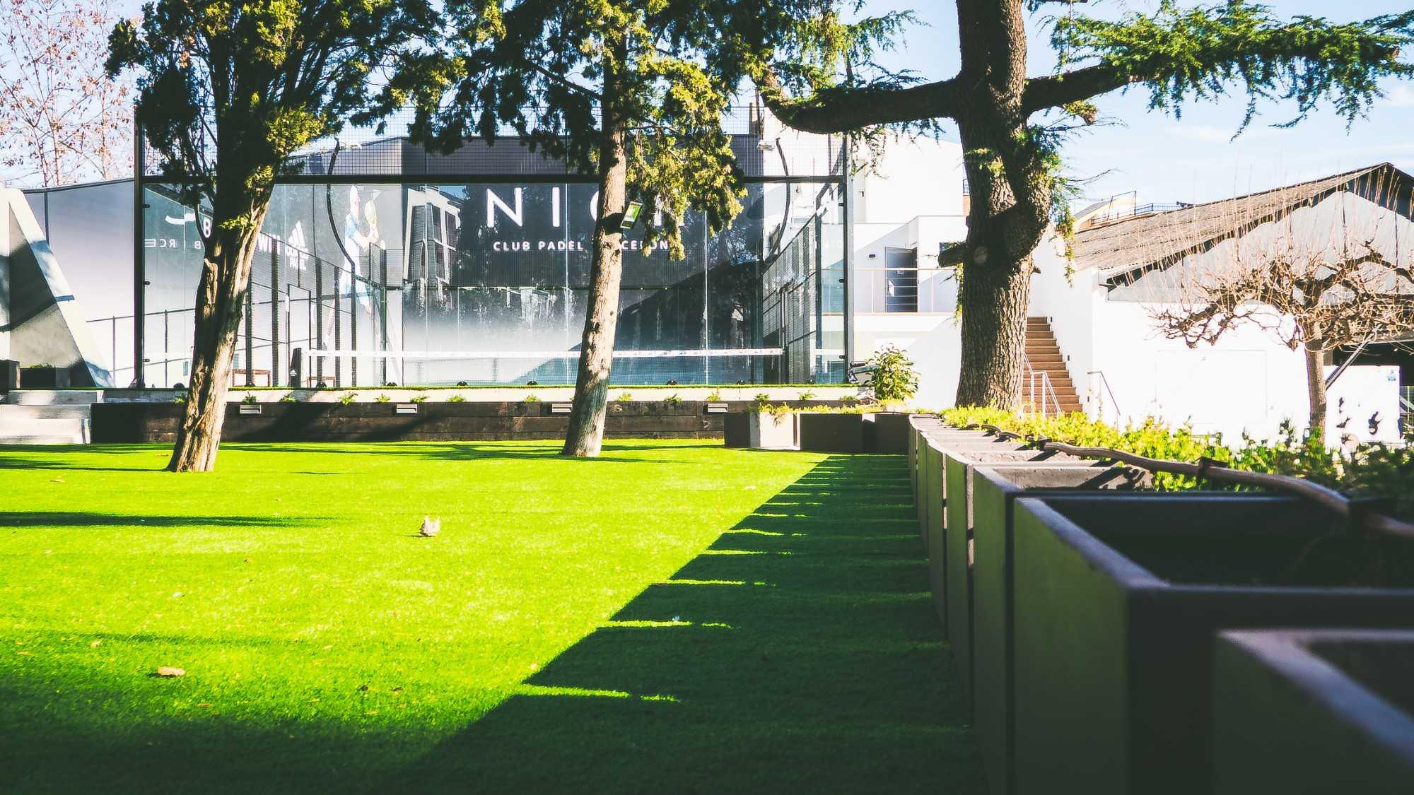 padel nick horta barcelona instalar césped artificial - padelnickhortabarcelona 186 - ¿Cómo instalar césped artificial en terreno desnivelado?